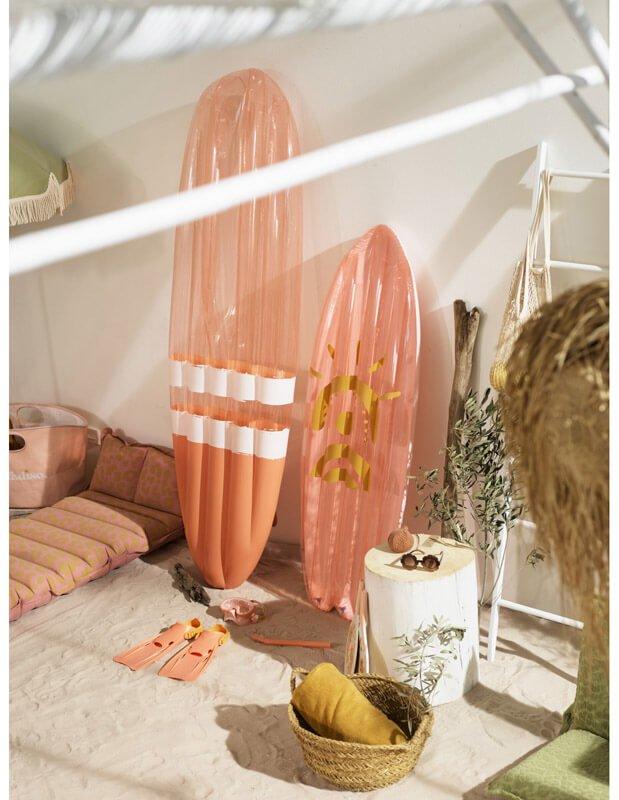 Life On Surfboard