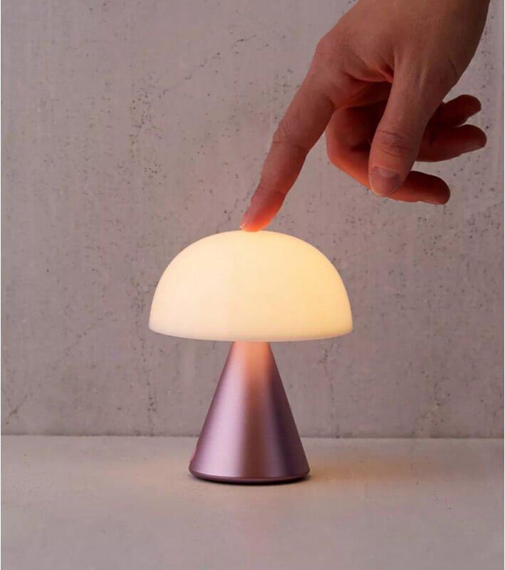 Mina M pink light